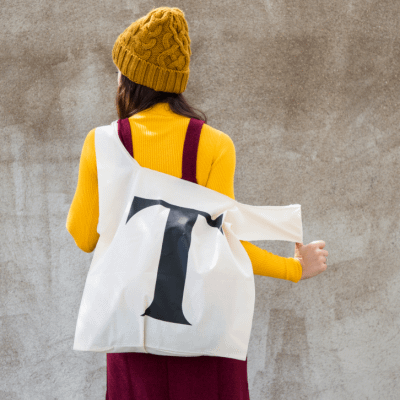 Maxi tote bag typography